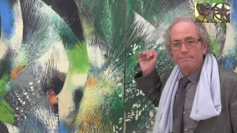 """La magia dell'artista minervinese Roccotelli in mostra a Napoli: """"Porto sulle tele la bellezza che mi circonda"""""""
