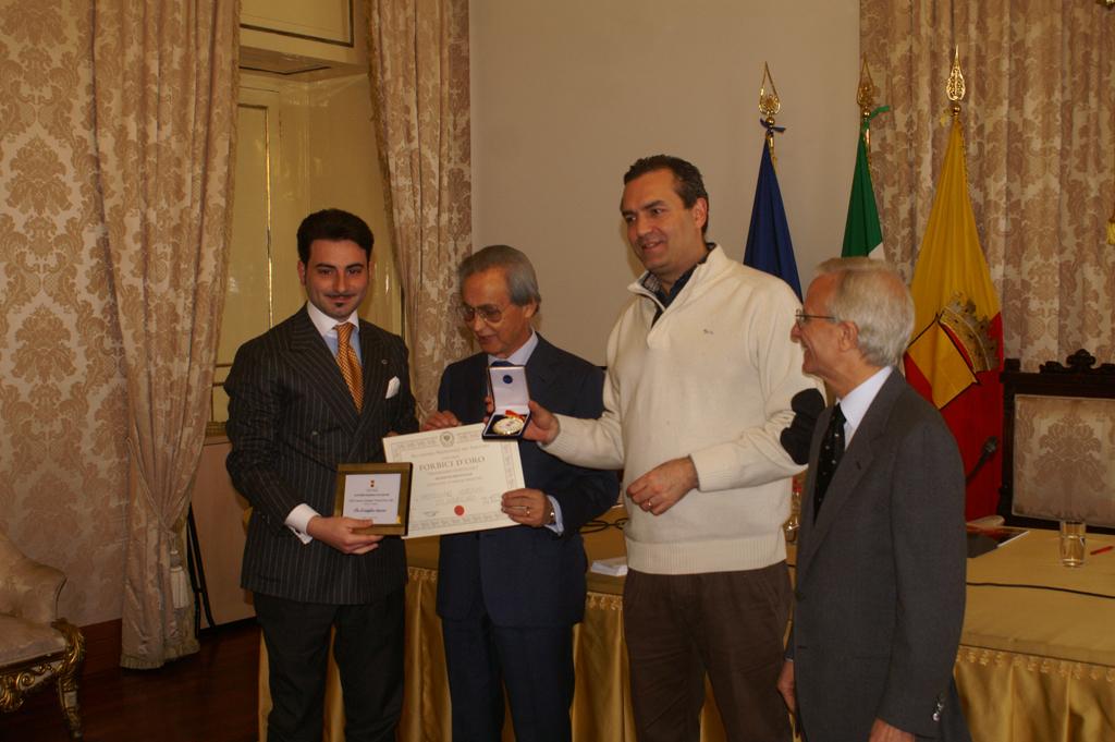 premiazione forbici d'oro 2011 maria mauro fashion academy corsi e master di taglio e cucito a napoli